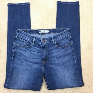 Levi's Mid Rise Skinny Jeans in Size 12